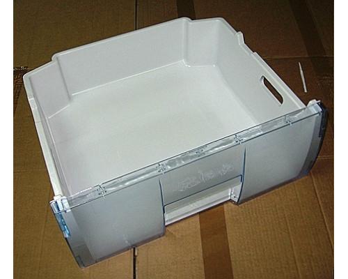 Большой пластиковый ящик...
